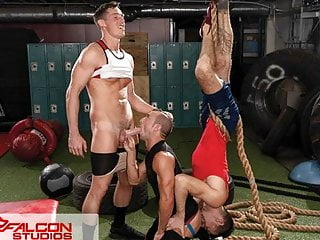 Shredded Hunks Turn Workout Into Threesome – FalconStudios