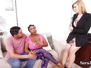 La terapista del sesso Sara Jay scopa il paziente Maserati Her BF