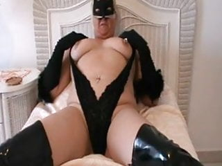 Sit back un-zip your Dick and let Mummy entertain you