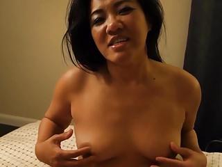 Sexy milf masturbates...
