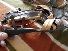 gebrauchte Sandalen gekauft, geile Dinger