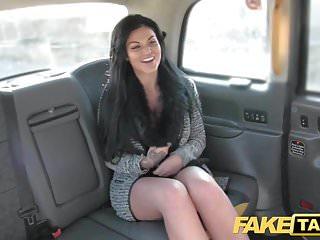 Taxi finto Frustrato procace Candy Sexton vuole il cazzo dei conducenti