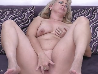 PAWG mature mother with hungry vagina