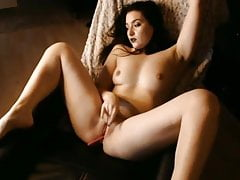 Amazing Arabic Woman Rubs Her Pussy Solo1