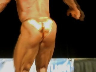 Hot mature daddy bodybuilder posing for your pleasure...
