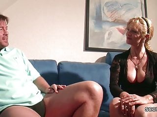 Big Tit MILF non madre seduce a scopare da Big Dick Step Son