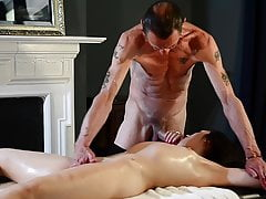 Queen Mona Visits Her Favourite Masseur