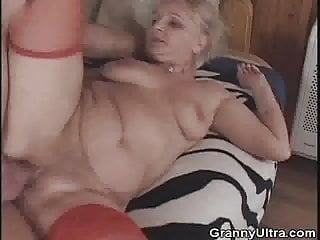 Granny gets banged after she sucked cock...