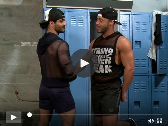 Horny Muscle Boys Micah Brandt e Ali Liam scopano in pubblico