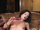 Mature sweet mom feeding her old vagina