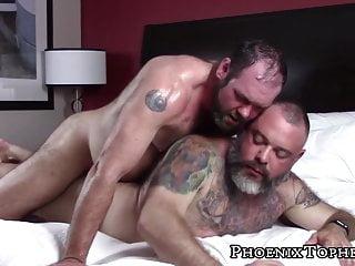 Macho bareback pounding big gray bear...