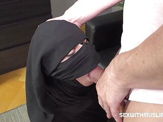 Woman in niqab pleases...