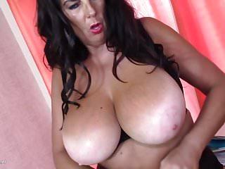SuperMOM matura Lulu ha bisogno di un buon sesso