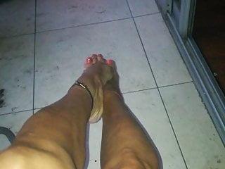 Macarena feet to all my feet lovers...