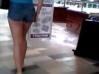 Teen Candid Shorts Ass
