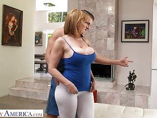 La cattiva America Sara Jay scopa il suo personal trainer