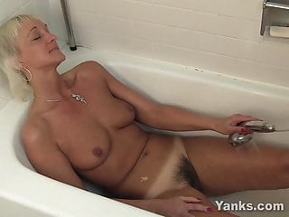 Yanks Water Barbie Fun Lynn Grandma