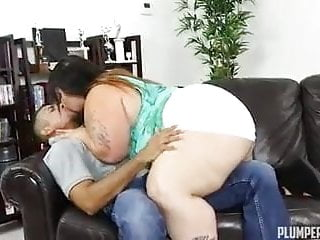 Kissing BBW Victoria Secret begs for some move on dick