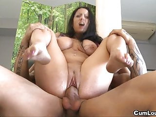 Busty brunette Gigi Love loves big dicks