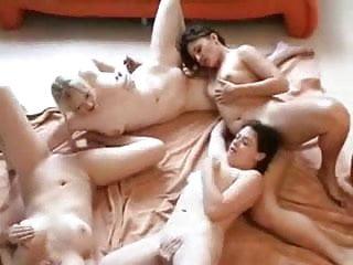 4 Lesbians Round