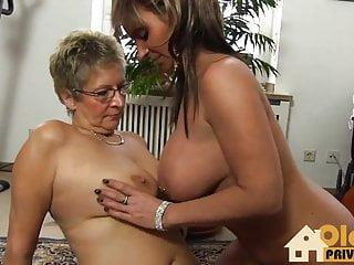 Alte Lesben grosse Titten
