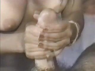Chupada de morena sabrosa     (Brunette blows a cock)
