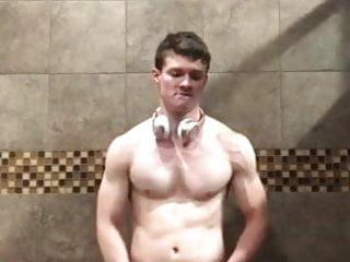 Tyler Sweet is too sexy!