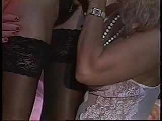 Strap on dildo fucking lesbians