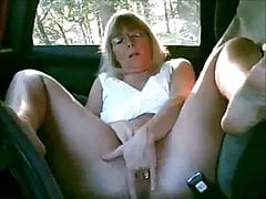 mature lady masturbating in the car while doggingfree full porn
