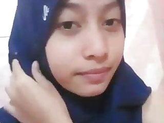 Tudung Girl – touching herself 08