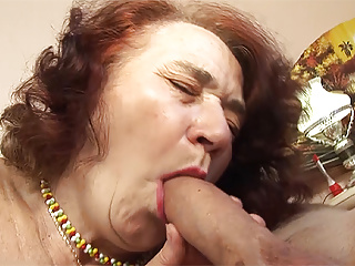 chubby mom fucked by her hairdresserPorn Videos