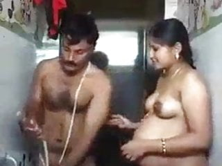Kissing Milf Mature video: Tamil aunty bathing