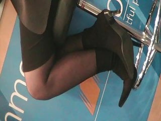 Candid ladys in heels and pantyhoses