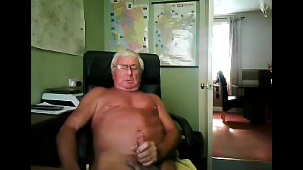 Candid amateur nude in walmart
