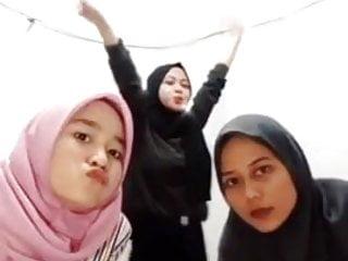 Free Jilbab Porn Videos (285) - Tubesafari.com