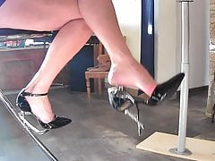 having fun kissing heels