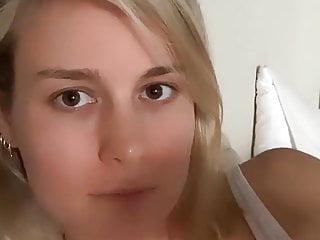 Brie Larson selfie