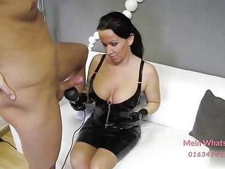 deutsche latex milf blowjob und Hand Job