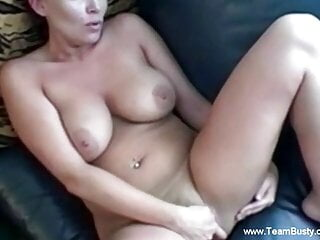 Natural MILF Using Her Fingers To Cum