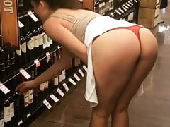 Sexy Girl With Fantastic Body Showing Her Ass In Public