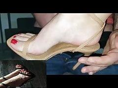 Shoe job – nude heels red toes