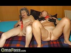 Anya és lánya együtt maszturbál - leszbikus anyuka és lánya