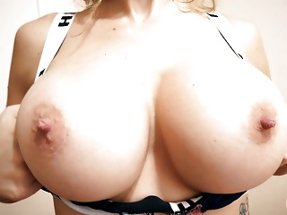 Huge tits perfect puss...
