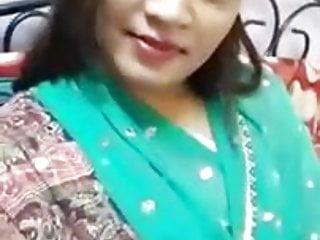Sanjana Singh enjoying at home with friends 2
