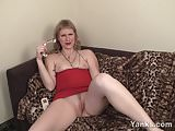 Yanks MILF Josie Finds Her G-Spot