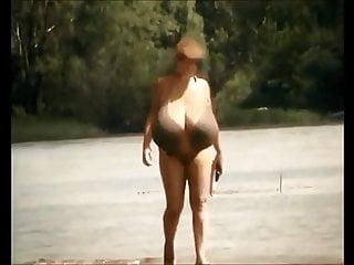 macromastia - candid  at the beachHD Sex Videos