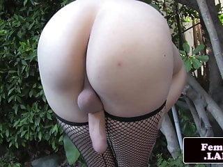 shemale wanking amateur in Cute stockings