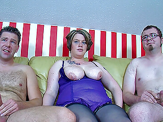 bi guys fuck a chubby wife togetherPorn Videos