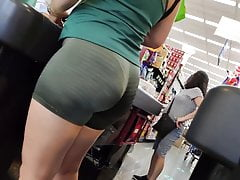 Chubby ass in tight leggings, candid camera