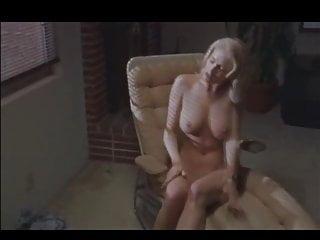 rubia se pone sensual y cachonda frente al edificio vecinoHD Sex Videos